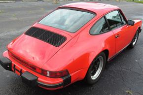 tn_Porsche 911 1985 Guards Red 06