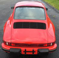 tn_Porsche 911 1985 Guards Red 07
